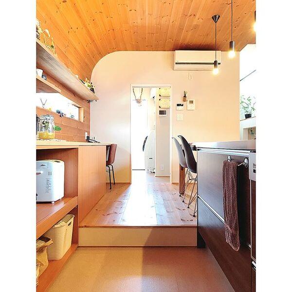 キッチンとダイニングの空間分けアイデア