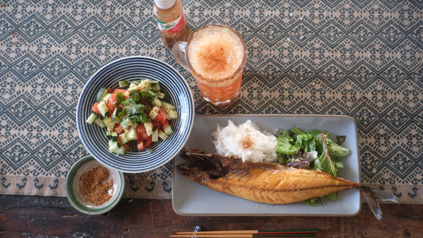 タヒンと焼き魚