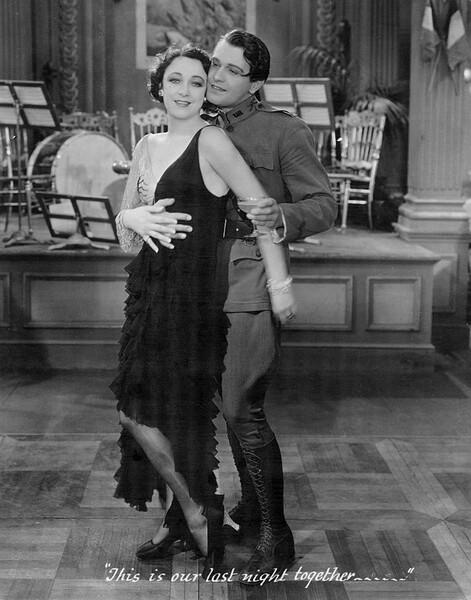 ローレンスの映画初主演作「春宵巴里合戦」(1929年)の一場面