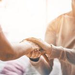 プラトニックな癒やしを提供 高額時給を稼ぐ「カドラー」の実態とは?