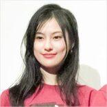 恒松祐里、「全裸監督2」配信目前の美バストライン披露で期待高まる濃密シーン!