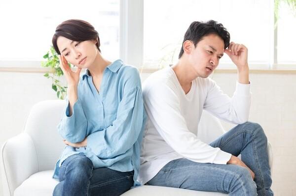 恋人同士だったころのようなラブラブ感はなくなったが、落ち着いた夫婦の関係もいいものだ。そう思っていたら、ある日、突然、夫から離婚を突きつけられる。そんなことが起こったら、妻はどうしたらいいのだろうか。