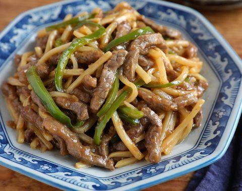 牛肉、ピーマン、タケノコ、チンジャオロース、中華料理。