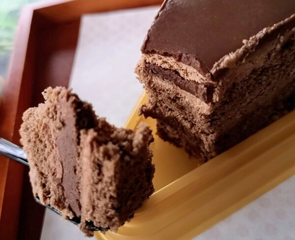 東京都・「シャトレーゼ」糖質86%カットの濃厚チョコショートケーキ3