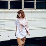 「インテリなレイヤード」|白Tシャツが似合う羽織り6選