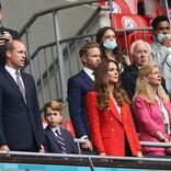 英ジョージ王子、スーツ姿で両親ウィリアム王子&キャサリン妃とEURO 2020観戦