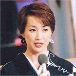 高島礼子、「幸薄そうな未亡人役」ドラマで魅せた「輝く二の腕」「熟ボディ躍動」