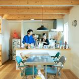 変幻自在の空間に、仕事場を増設。暮らしのニュースタンダードにフィットする、スキップフロアの家(千葉市) みんなの部屋