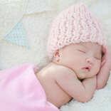 【出産祝いのマナー】女の子の赤ちゃんにおすすめの出産祝いは?