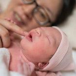 第二子出産の押切もえ、動画で赤ちゃんを紹介「ちっちゃいですよね、まだ。でもすぐ大きくなっちゃう」