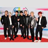 『FNS歌謡祭』BTSの衣装がダサすぎ!? ファンもドン引き「アラレちゃんみたい」