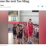 身長226センチの14歳少女「230センチになるのでは?」とバスケ界期待の星に(中国)<動画あり>