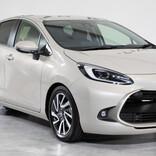 燃費35.8km/L! 給電を標準装備! トヨタが新型「アクア」発売