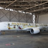 がんばろう日本!金色の鶴丸が頑張る人たちを後押し「みんなのJAL2020 ジェット」3号機就航