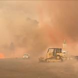 カリフォルニアの山火事でついに「炎の竜巻」が現る…