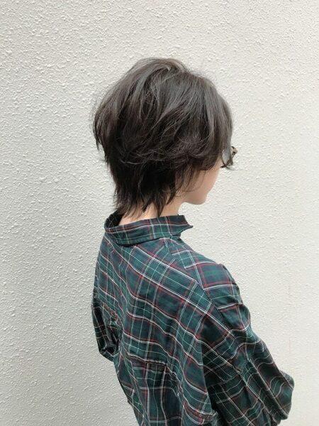 ウルフシャギーのショートヘア