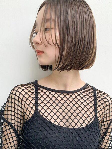 シンプルボブのショートヘア