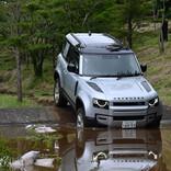 悪路走破性は? 人気SUV「ディフェンダー」の新ボディ「90」で沼地へ!