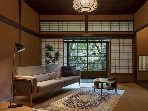 内装美と高級家具の和モダンリビング実例