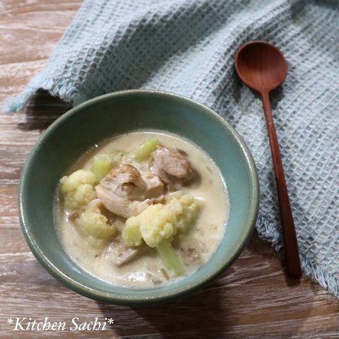 鶏肉とカリフラワーのクリームスープ