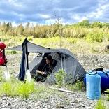 平日でも活況のキャンプ場。ブームの背景と初心者が楽しむコツ