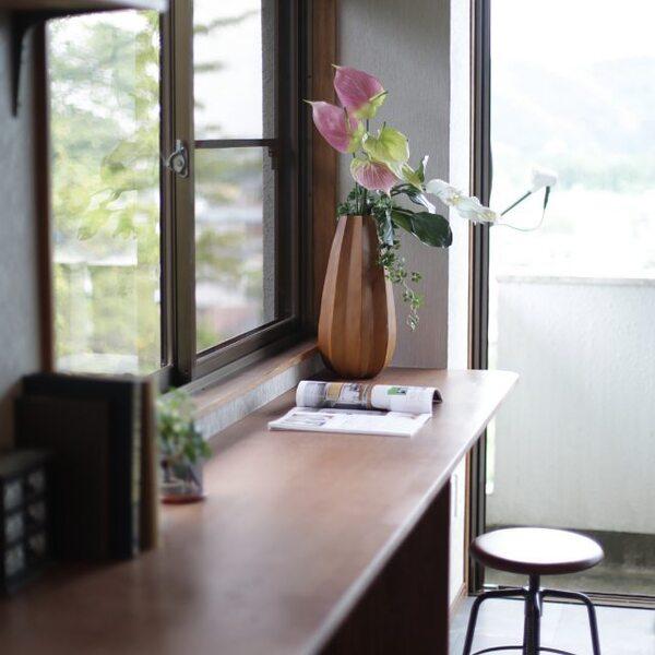 テーブルとして大活躍のリビングバーカウンター
