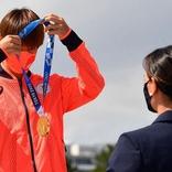 堀米雄斗のメダル授与式にイシンバエワ氏登場 ネット騒然「相変わらずお綺麗」「素敵でした!」