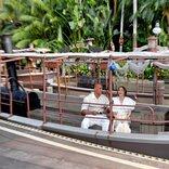 ドウェイン・ジョンソン&エミリー・ブラントが「ジャングル・クルーズ」に乗って登場! ワールドプレミアがディズニーランド・パークで開催