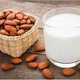 アーモンドミルク市場が100億円を突破!「料理に合う」「栄養豊富」「夏にぴったり」と魅力満載