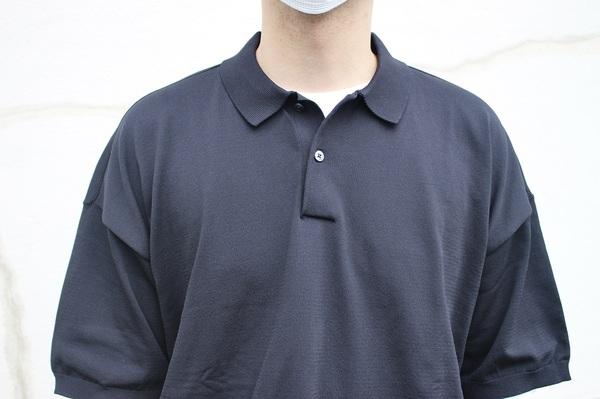 無印良品 「UVカット強撚ポロシャツ」 ボタン