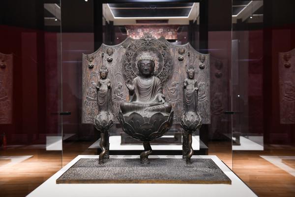 《伝橘夫人念持仏厨子》 飛鳥時代(7~8世紀) 奈良・法隆寺蔵