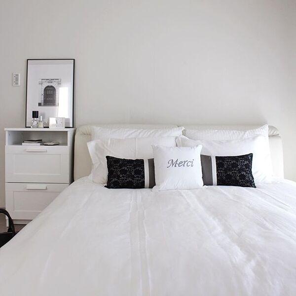 ベッドサイドのインテリアと収納15