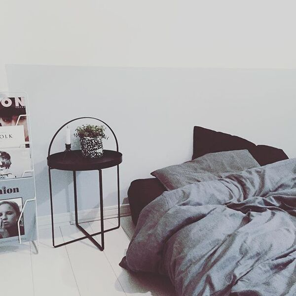 ベッドサイドのインテリアと収納9