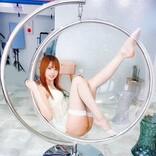 「上手に座れた」コスプレイヤー紗雪が白網タイツで美脚を披露