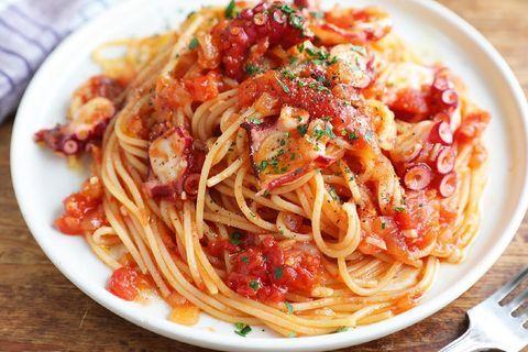 たこのトマトソースパスタ
