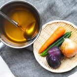 野菜くずが出汁になる!「ベジタブルブロス」の作り方~サステナブルな食卓~