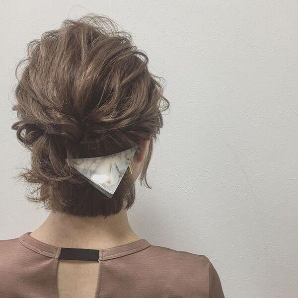 ヘアピンとバンズクリップの簡単まとめ髪