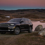Jeepのフラッグシップモデル、「新型グランドチェロキーL」を今秋国内発表