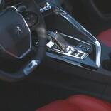 注目の7シーターSUV「プジョー5008」に華やかさをプラスした特別仕様車登場