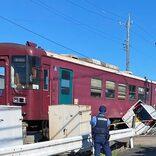 長良川鉄道で列車と軽自動車が衝突 一時運転見合わせで通勤・通学客に影響