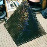 崩れたピラミッドから名画が登場 凄いクオリティの動画がネットで話題に