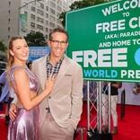 『フリー・ガイ』ワールドプレミア開催 ライアン・レイノルズ、妻ブレイク・ライヴリーと登場