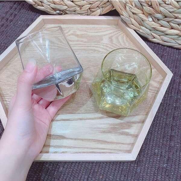 スリーコインズの六角グラス
