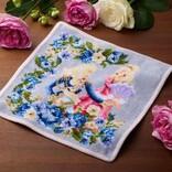青いばらに囲まれた「マリー・アントワネット」と「オスカル」をデザインした新作の『FEILER ベルサイユのばら ハンカチ』を限定販売開始!