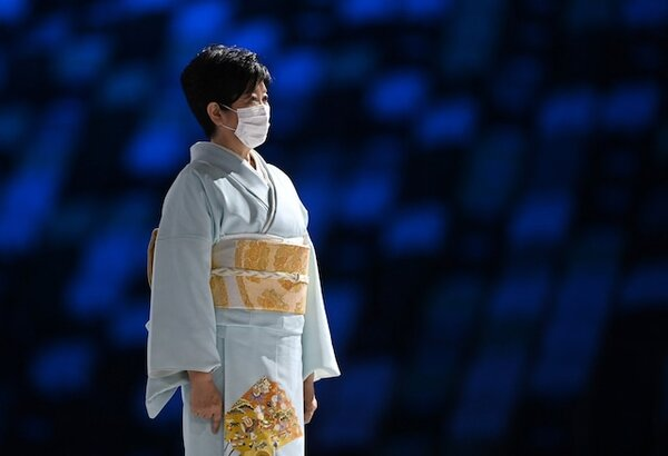 東京五輪の大会後半にかけて行われたセレモニーでは、東京都知事・小池百合子さんらの着物姿に注目が集まりました。閉幕した東京五輪を振り返り、きものディレクター視点で印象に残った着物についてお伝えします。(写真:ロイター/アフロ)