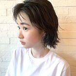 透明感のあるヘアカラーにしたいなら。「ダークグレー」のおしゃれな髪色カタログ