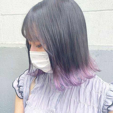 暗髪でもトレンド感が出せるセクションカラー
