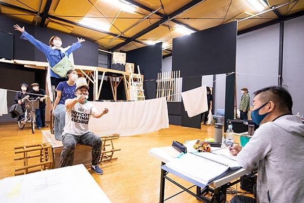 オペラシアターこんにゃく座公演『さよなら、ドン・キホーテ!』稽古場風景。 撮影/前澤秀登