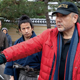山田涼介、岡田准一から殺陣の指導も…「刀置いて」急なレスリングが生かされる