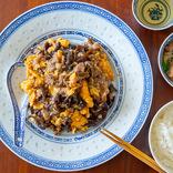 材料ほぼ3つ!簡単うまい昼レシピ【23】シンガポール風の牛肉とキクラゲの卵炒め!